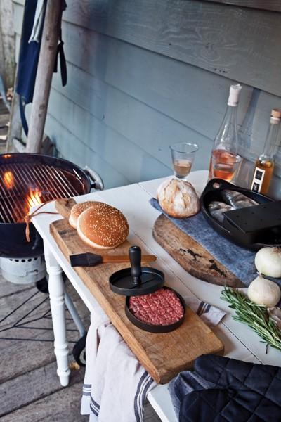 Sada na grilování sformou na hamburgery a mašlovačkou