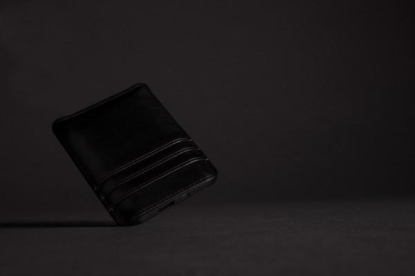 Powerbanka s kapsami na karty