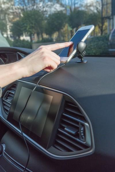 Bezdrátová 5W nabíječka do auta