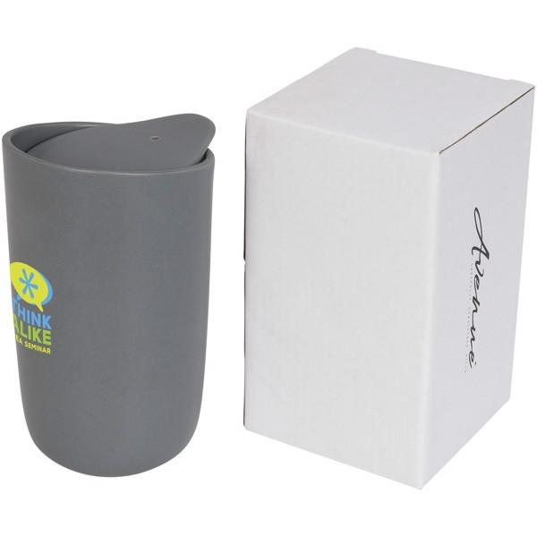 Mysa 400 ml doppelwandiger Keramikbecher - Grau
