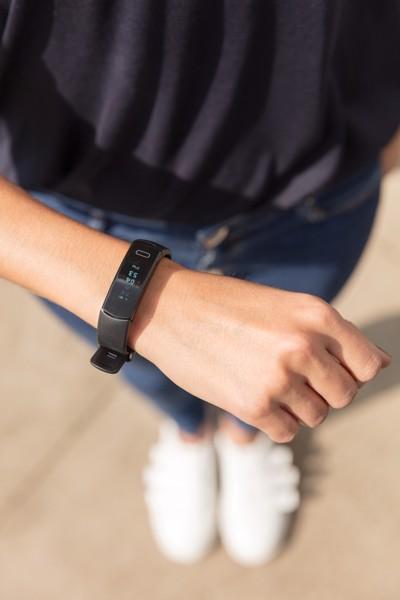 Activity tracker Pulse Fit - Black