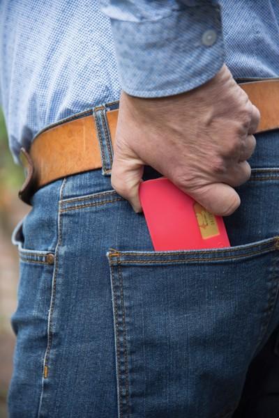 Pouzdro na kartu s RFID ochranou - Červená