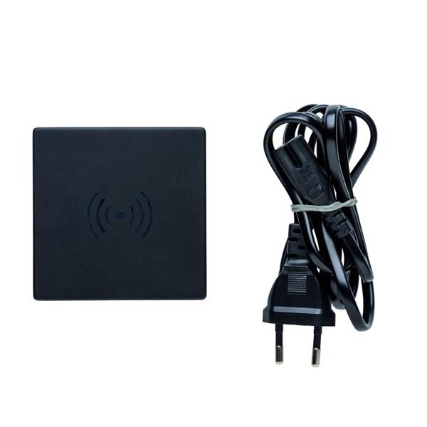 USB-s és 10W-os vezeték nélküli töltő