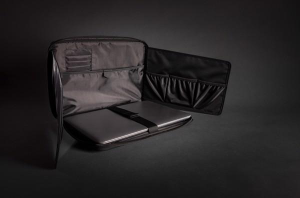 Obal a stojan na notebook z veganské kůže Swiss Peak