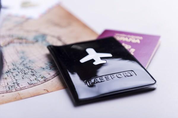 Bolsa Passaporte Klimba - Preto
