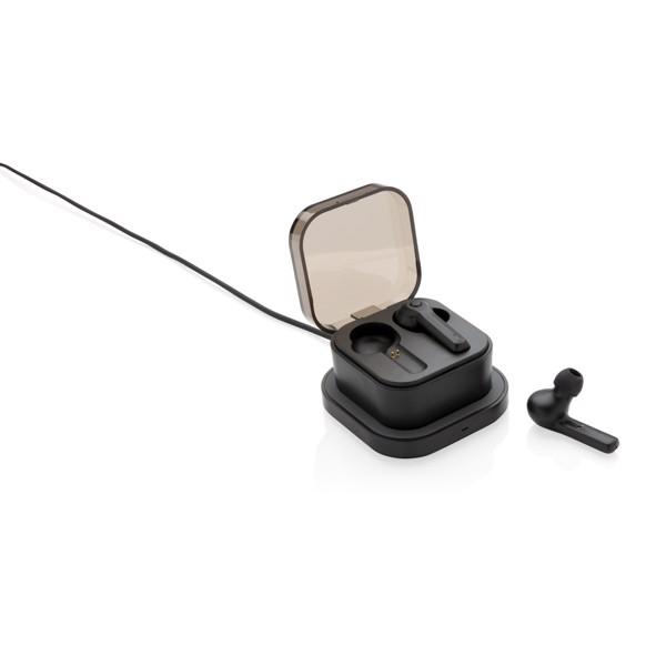 TWS sluchátka do uší v bezdrátově nabíjecí krabičce