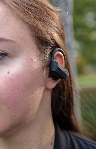 Športne slušalke s polnilno škatlico