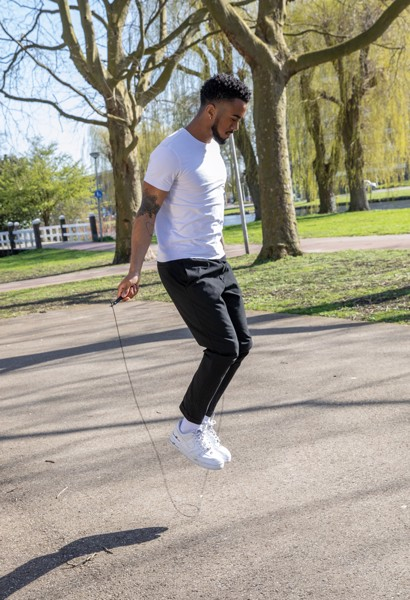 Adjustable jump rope in pouch