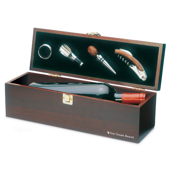 Wine set in wine box Costieres