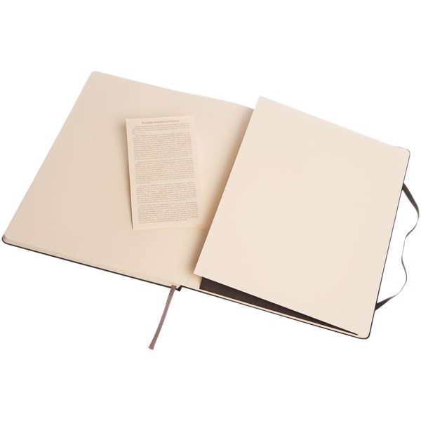 Classic XL hard cover notebook - plain - Solid black