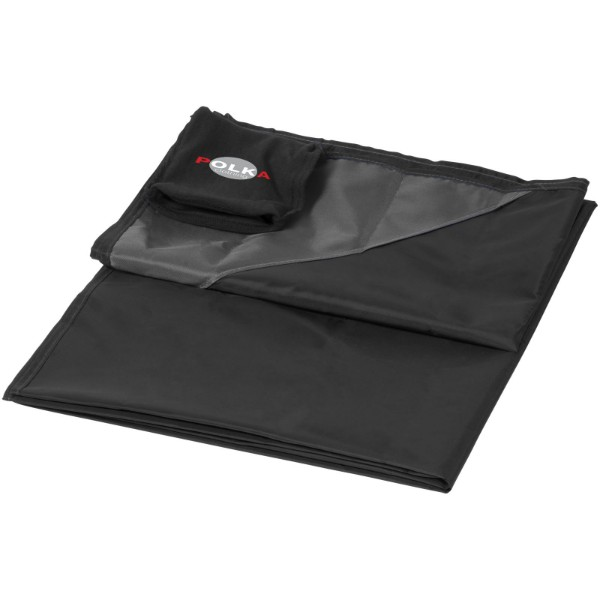 Stow-and-go water-resistant picnic blanket - Solid black