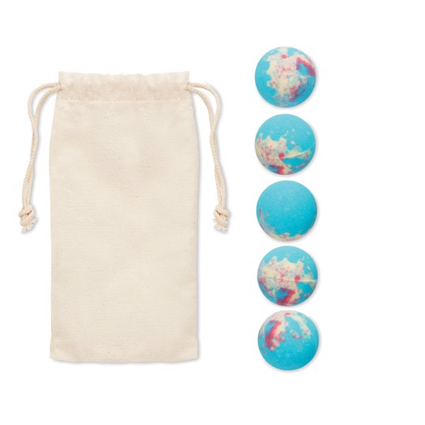 bath bombs in cotton pouch