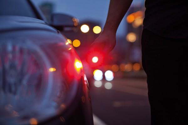 6 az 1-ben autós vészhelyzeti szerszám