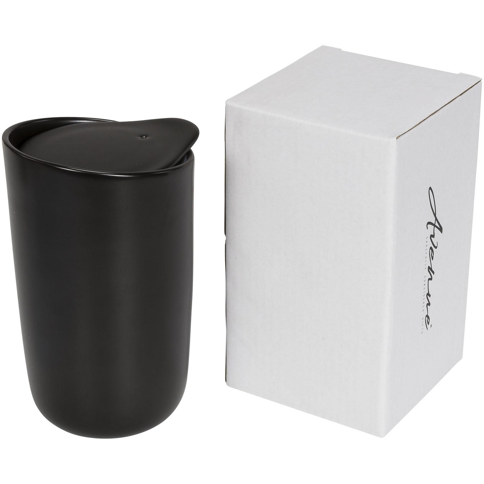 Dvouplášťový keramický hrnek Mysa 410 ml - Černá