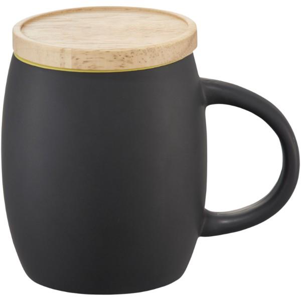 """Taza de cerámica de 400 ml con base de madera """"Hearth"""" - Negro intenso / Lima"""