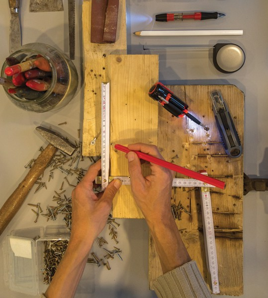 25cm dřevěná tesařská tužka - Bílá