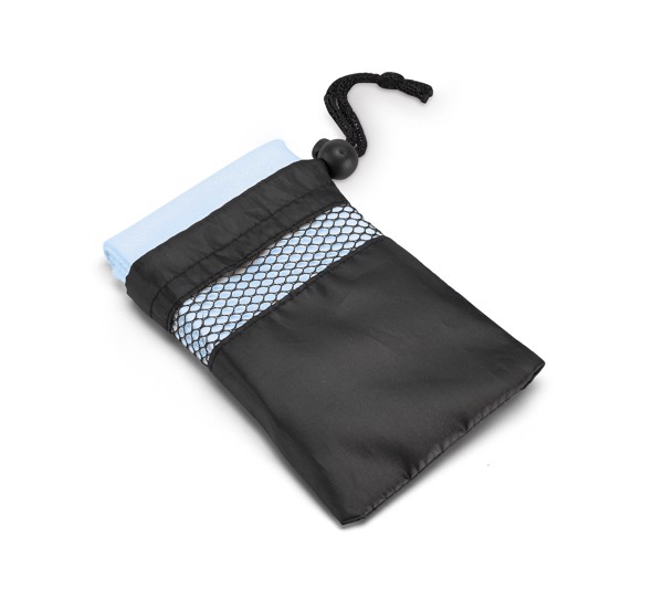 TRAVIS. Sports towel in microfibre - Light Blue
