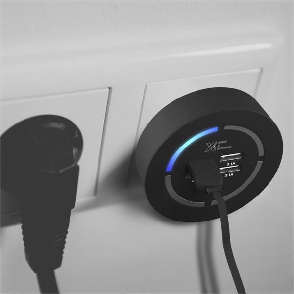 Pametni USB razdelilnik z osvetlitvijo SCX.Design H10
